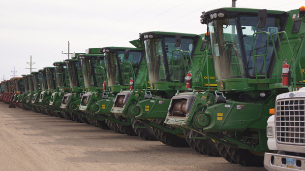 Orr Auctioneers offers regular large scale equipment consignment auctions!